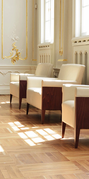 NOBLES – dizajnové luxusné stoličky, kresla, sedačky a stoly