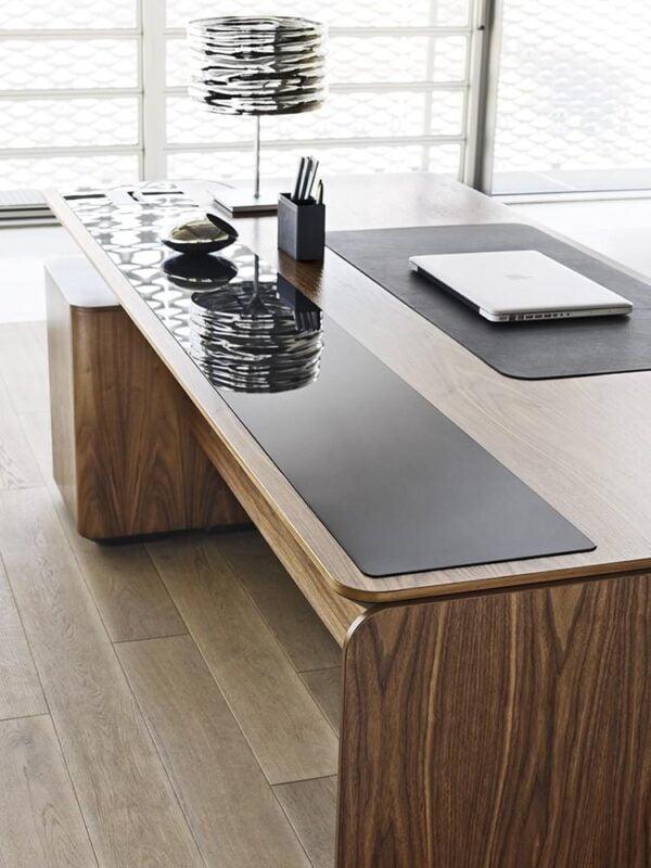 exkluzívny riaditeľský stôl eRange