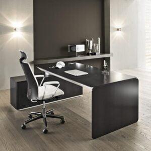 čierny kancelársky stôl eRange