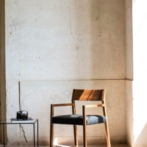Stolička s podrúčkami CI-Linea 1001 PO - dizajn