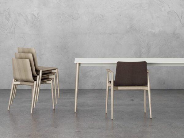 biely stôl PE-Malmö