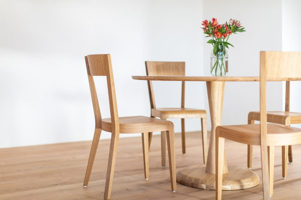 Okrúhly stôl STK-Maron z masívu
