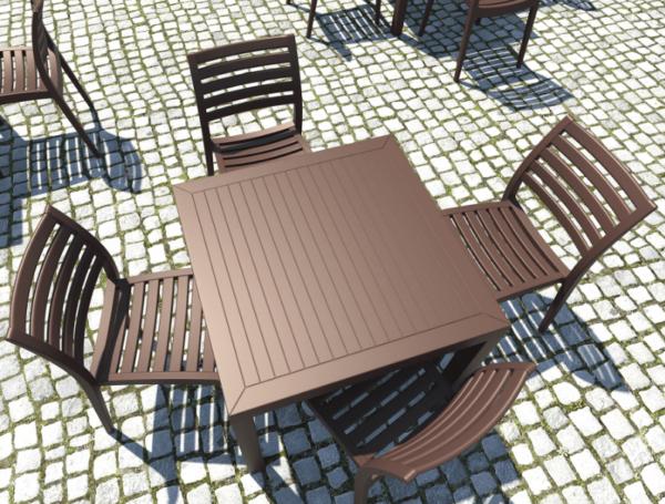 Exteriérová stolička SI-Ares na terase